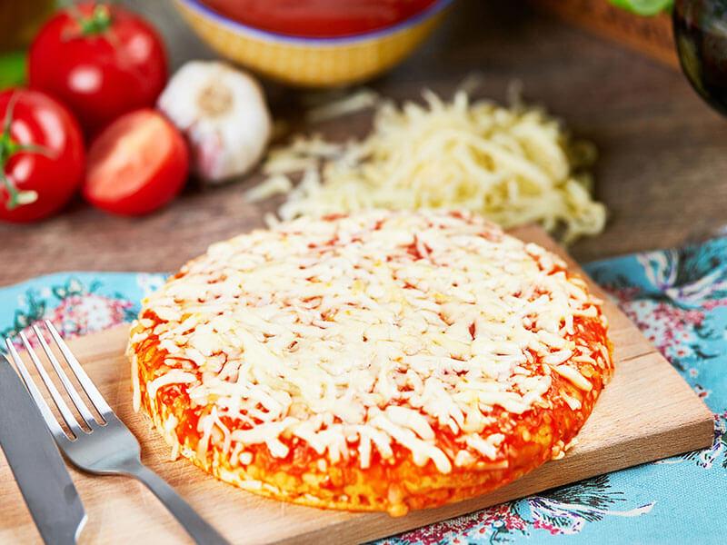 9-Inch-Cheese-&-Tomato-Pizza