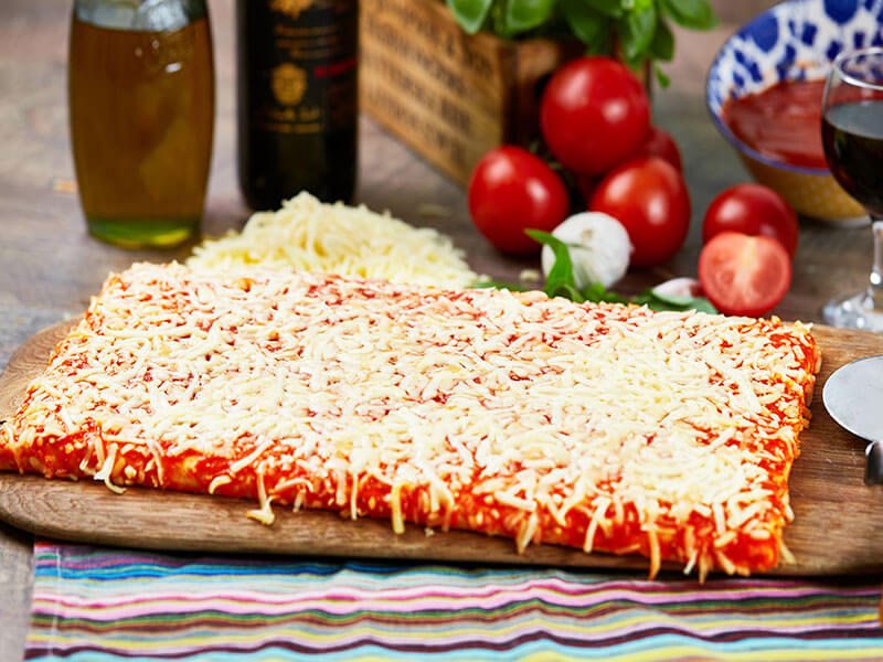 15-x-9-Inch-Cheese-&-Tomato-Slab-Pizza(Lower-Fat)